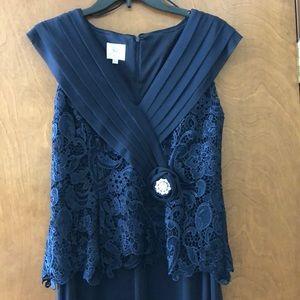 Women's sleeveless navy gown